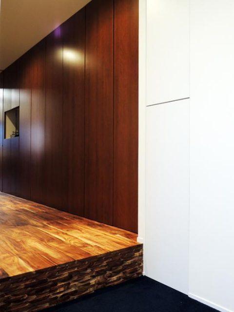 マンションリノベーション、株式会社錬、ヴィンテージ玄関、壁面収納、レトロ収納