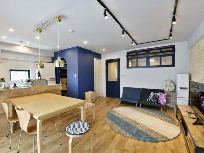 「リノステージ」のマンションリノベーション事例「ウォークスルー収納がお気に入り。リノベ空間に自分たちの好きを凝縮!」