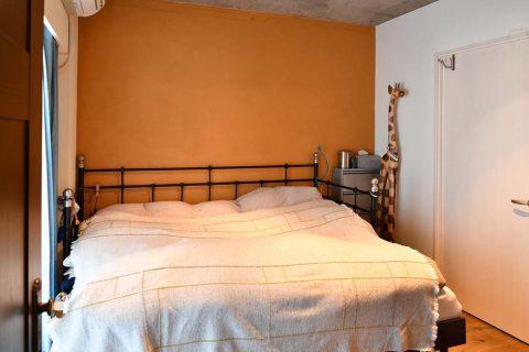 マンションリノベーション、錬、川崎市、リノベーション、寝室、ベッドルーム 、アクセントクロス、キリンの置物
