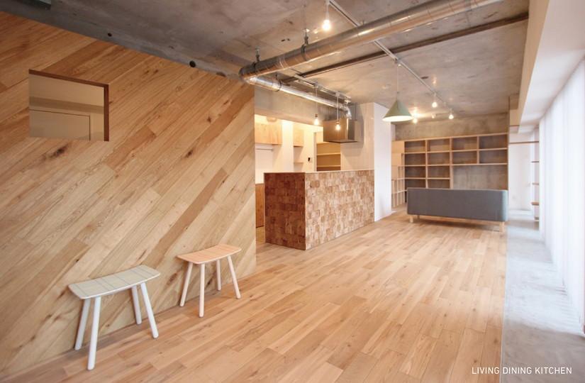 マンションリノベーション、nu(エヌ・ユー)リノベーション 、板張り壁、コンクリート現し、インダストリアル