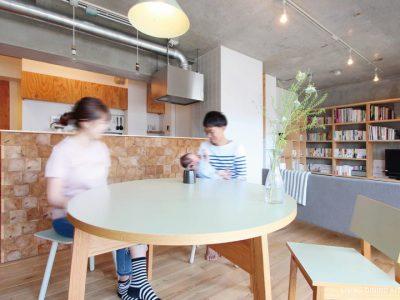 「nu(エヌ・ユー)リノベーション」のマンションリノベーション事例「間取り工夫で、もっと家族を感じる住まいに。木の風合いを満喫するマンションリノベーション」