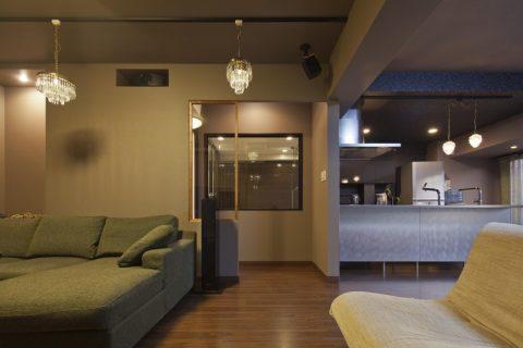 マンションリノベーション、GLADDEN、ホテルライク、シャンデリア、ガラス張り浴室