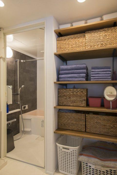 マンションリノベ、ハコリノベ、サニタリールーム、バスルーム、脱衣所、収納、見せる収納