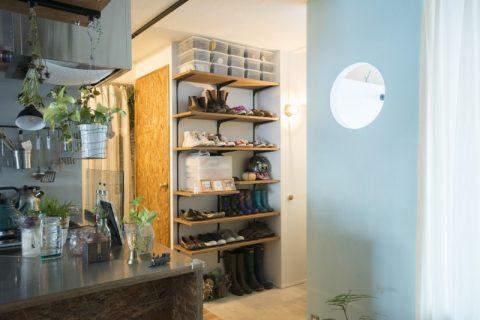 マンションリノベ、ハコリノベ、玄関、玄関収納、靴棚、可動棚、見せる収納