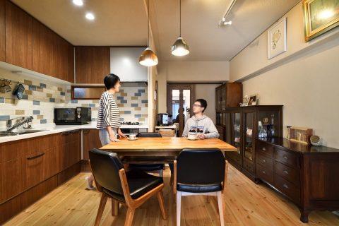 マンションリノベーション、株式会社 夢工房、壁付けオープンキッチン、L型キッチン、ナチュラルダイニング