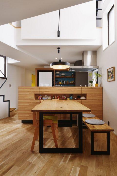 マンションリノベーション、スタイル工房、メゾネットタイプ、対面キッチン、ナラ材、吹き抜け、