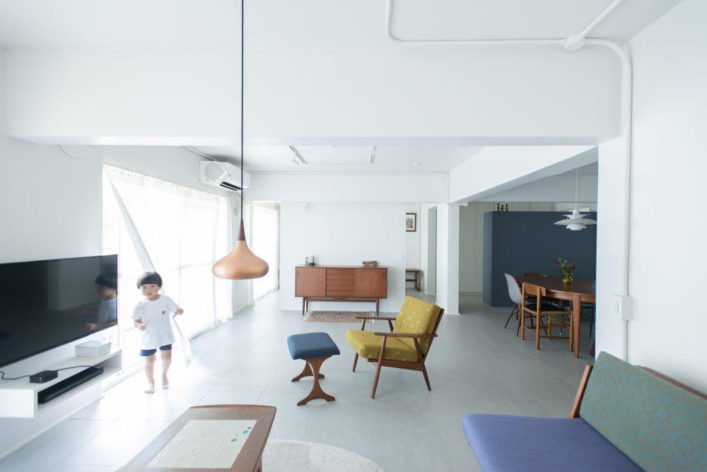 マンションリノベーション、ゼロリノベ、北欧インテリア、カラフル家具、チーク家具