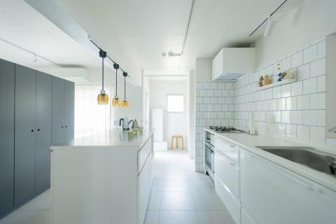 マンションリノベーション、ゼロリノベ、キッチン壁、キッチン収納、キッチンカウンター