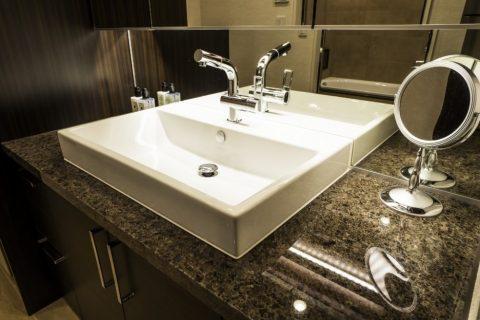 マンションリノベーション、クオリア、洗面ボウル四角、御影石カウンター、ホテルライク洗面