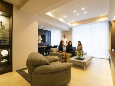 「QUALIA クオリア」のマンションリノベーション事例「タワーマンションのロケーションと上質な素材が彩るリノベーション」