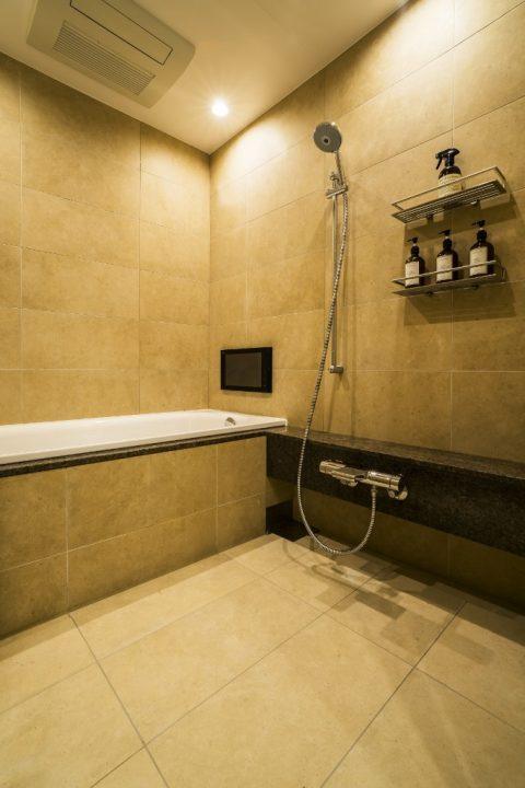 マンションリノベーション、クオリア、在来工法、タイル張り浴室、ホテルライク浴室