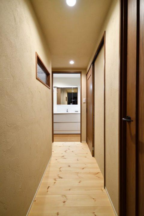 マンションリノベーション、株式会社 夢工房、珪藻土、室内窓、木枠の窓枠