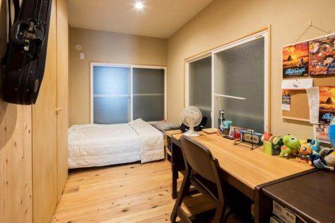 戸建リノベーション、株式会社駿河屋、ウッディ子ども部屋、木のインテリア、自然素材