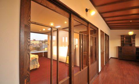 戸建リノベーション、アートテラスホーム株式会社、和モダン、ガラス引き戸、木の温もり