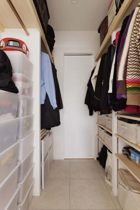 スタイル工房、マンションリノベーション、ウォークスルークロゼット、キッチンにつながるクローゼット