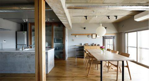 マンションリノベーション、インテリックス空間設計、コンクリート現し、マンション天井上げる、モルタルキッチン