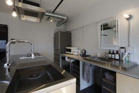 マンションリノベーション、東京リノベ、洗面化粧台、ステンレスキッチン、キッチン収納