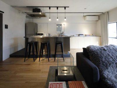 「東京リノベ」のマンションリノベーション事例「モノトーン×ステンレス。余白を生かすスタイリッシュリノベーション」