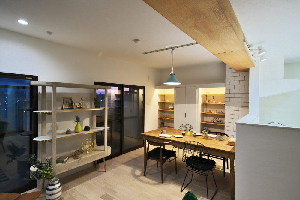 マンションリノベーション、フリーキスワークス、北欧家具、見せ梁、見せる収納