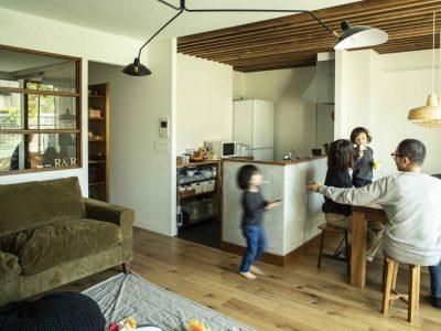 「ハコリノベ(SUN REFORM)」のリノベーション事例「素材感を追求した、庭のあるマンションリノベーション」
