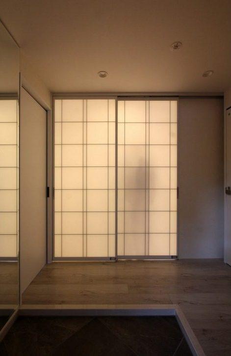 マンションリノベーション、アレックス、スクリーンパーティション、障子風パーティション、人影が写る玄関