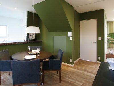 「住工房株式会社」のリノベーション事例「受け継いだ大切な家をリノベーション!グリーンで日常を彩って」