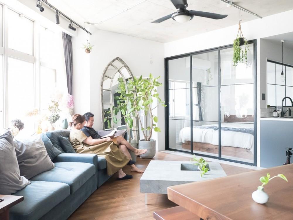 マンションリノベーション、CLOCK、リゾートインテリア、ガラス間仕切り、室内窓
