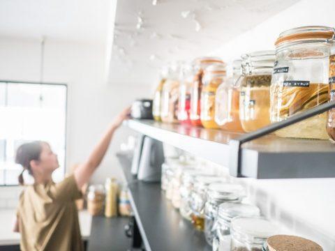 マンションリノベーション、CLOCK、キッチン収納、見せる収納、オープン棚