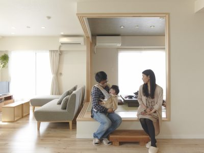 「野村不動産パートナーズ」のマンションリノベーション事例「縁側のような小上がりを楽しむマンンションリノベーション」