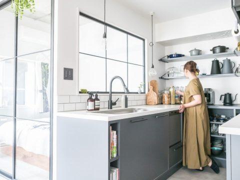 マンションリノベーション、CLOCK、室内窓、キッチン収納、グースネック