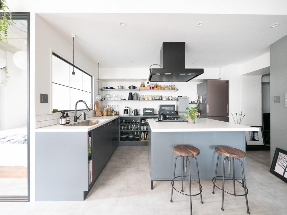 マンションリノベーション、CLOCK、セパレートキッチン、アイランドキッチン、室内窓