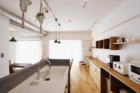 マンションリノベーション、スタイル工房、モールテックス、対面キッチン、Ⅱ列型キッチン、リビング学習、カウンターテーブル