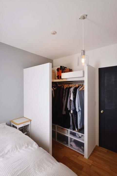 マンションリノベーション、スタイル工房、寝室、ベッドルーム、オープンタイプのウォークインクローゼット、ローコスト
