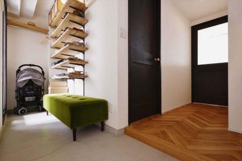 マンションリノベーション、スタイル工房、土間、ヘリンボーン張り、玄関収納、玄関ホール