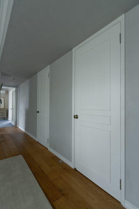 マンションリノベーション、GLADDEN、グレー壁、モールディング、漆喰壁