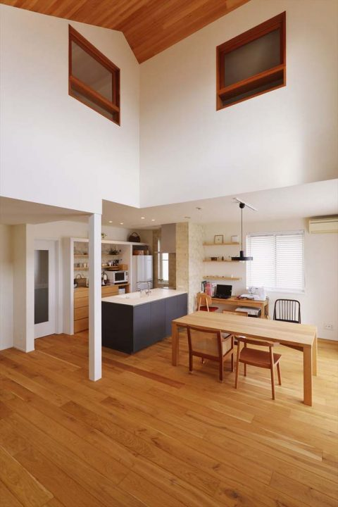 スタイル工房、戸建リノベ、勾配屋根、吹き抜け、高窓、床暖房