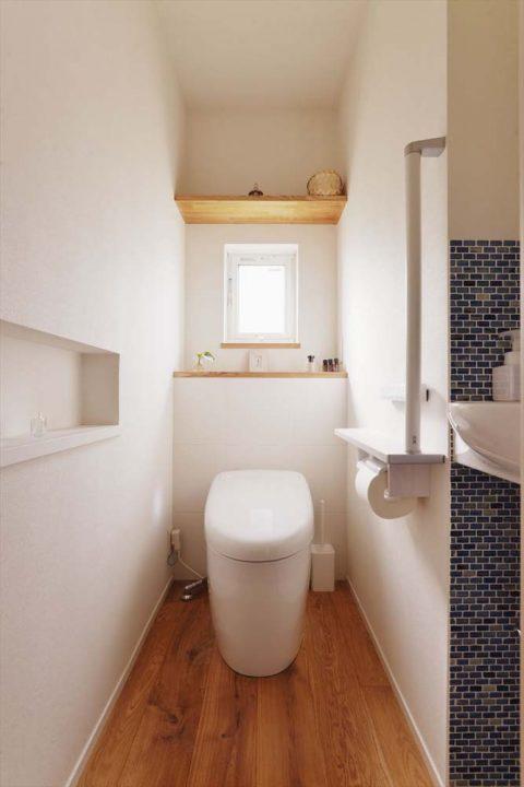 スタイル工房、戸建リノベ、TOTO、タンクレストイレ、タイル壁、手洗いボウル、ニッチ