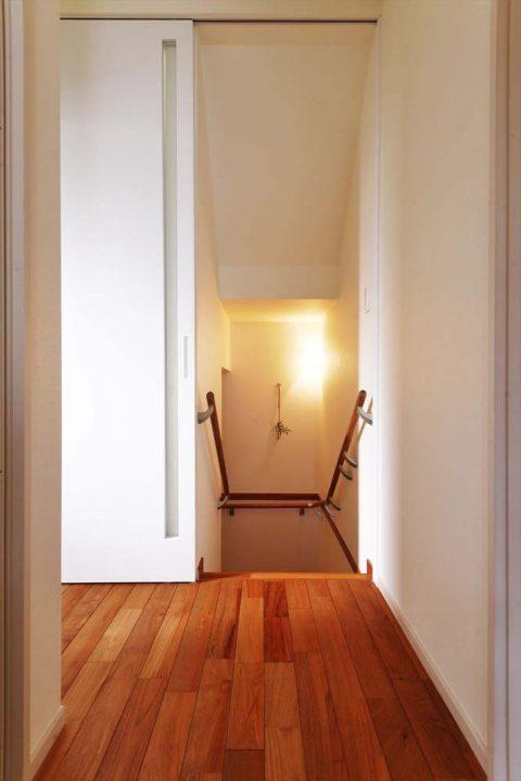 スタイル工房、戸建リノベ、階段、オーク床、積層フローリング