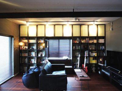 「株式会社 錬(れん)」のリノベーション事例「ブルックリンスタイルをめざしてリノベ。ブックカフェのような部屋を住みこなす」