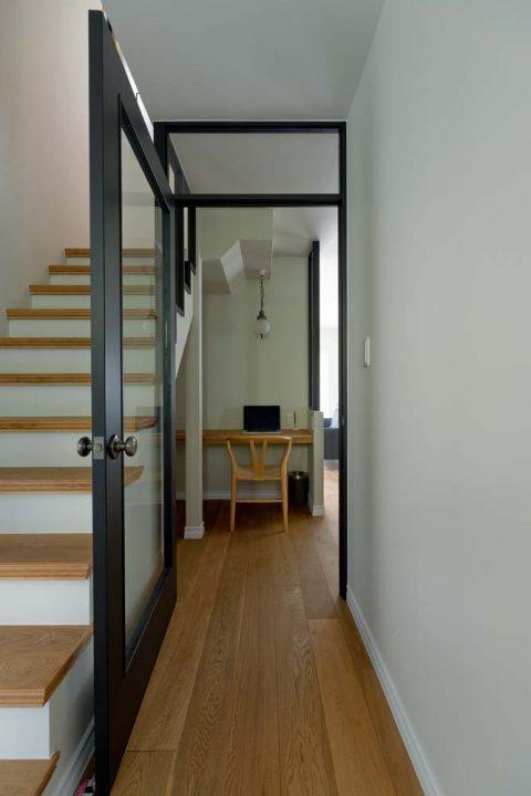 マンションリノベーション、GLADDEN 、ガラス扉、透明な壁、ワークスペース