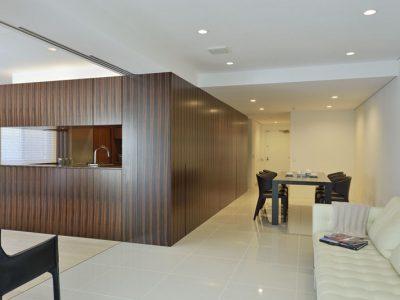 「三井のリフォーム(三井不動産リフォーム)」のマンションリノベーション事例「名作家具を巧みにレイアウト。センターコアプランのマンションリノベーション」