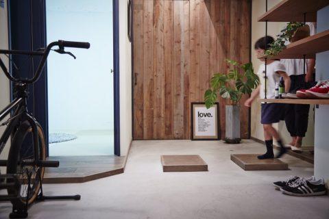 マンションリノベーション、CLOCK(クロック)、飛び石、玄関土間、オープン靴入れ