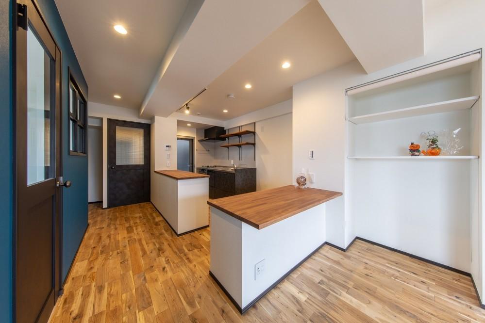 マンションリノベーション、リノベ不動産|Three Eight 、オープンキッチン、キッチンカウンター、テーブル一体キッチン