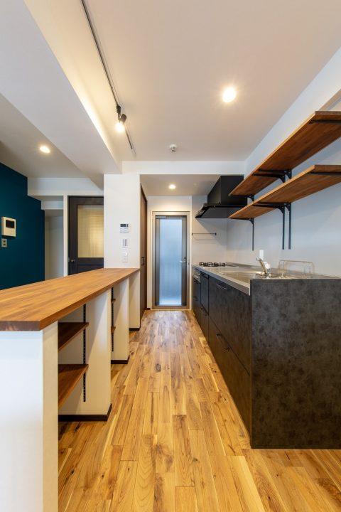 マンションリノベーション、リノベ不動産|Three Eight 、オープンキッチン、キッチン収納、キッチンカウンター