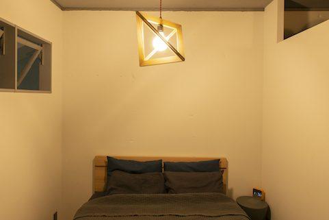 マンションリノベーション、ゼロリノベ、ベッドルーム灯り、室内窓、寝室換気
