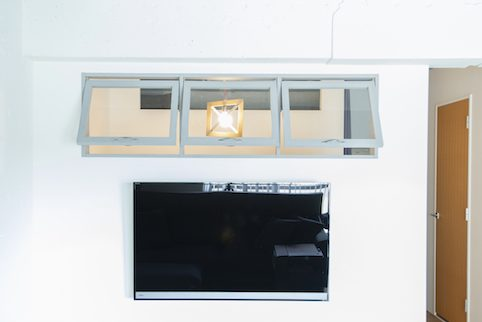 マンションリノベーション、ゼロリノベ、室内窓、滑り出し窓、壁掛けテレビ