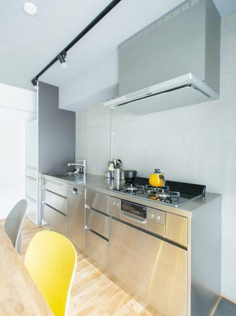 マンションリノベーション、ゼロリノベ、ステンレスキッチン、オールステンレス、吊り戸なしキッチン